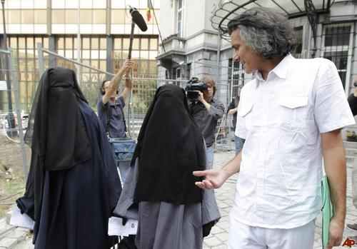 Rachid Nekkaz,Rachid, Nekkaz,france,muslim,muslims,hijab,naqab,parda,niqab ban,fine